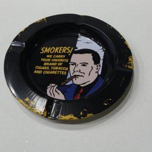 metalna pepeljara za cigarete