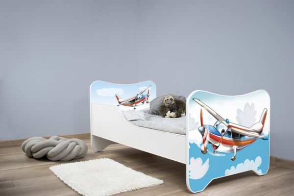Deciji krevetac avion
